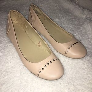 🌺New York & Co. Tan/Nude Studded Round Toe Flats